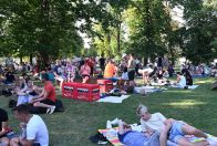 Duhový piknik v Pride Village